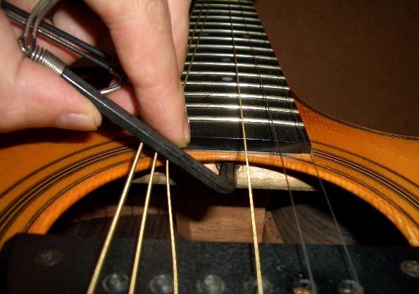 アコギ ネック 反り ネックの反る原因について - 緑陽ギター日記